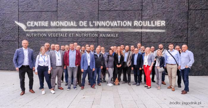 Dystrybutorzy i dziennikarze w Centrum Innowacji Grupy Roullier